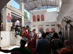 Temple queue
